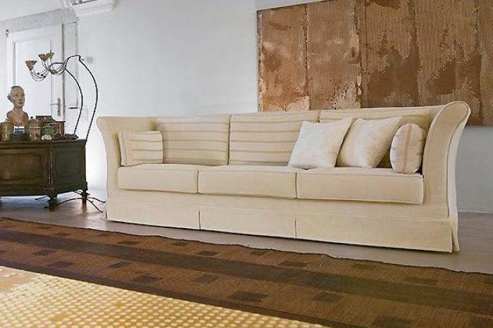 Divani eleganti classici interesting divano classico for Salotti eleganti classici